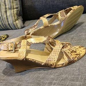 NWOT comfortview vegan snakeskin wedge heels,sz.7